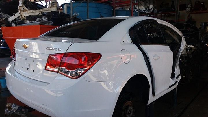 Cruze Sedan  LT